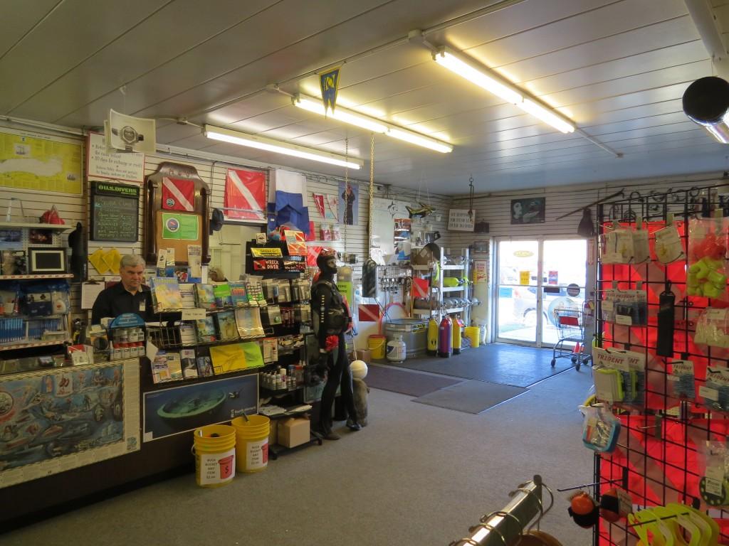 Wolf's Marine Dive Shop - PADI