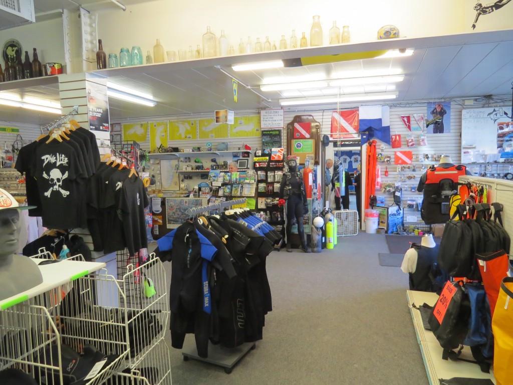 Wolf's Dive Shop