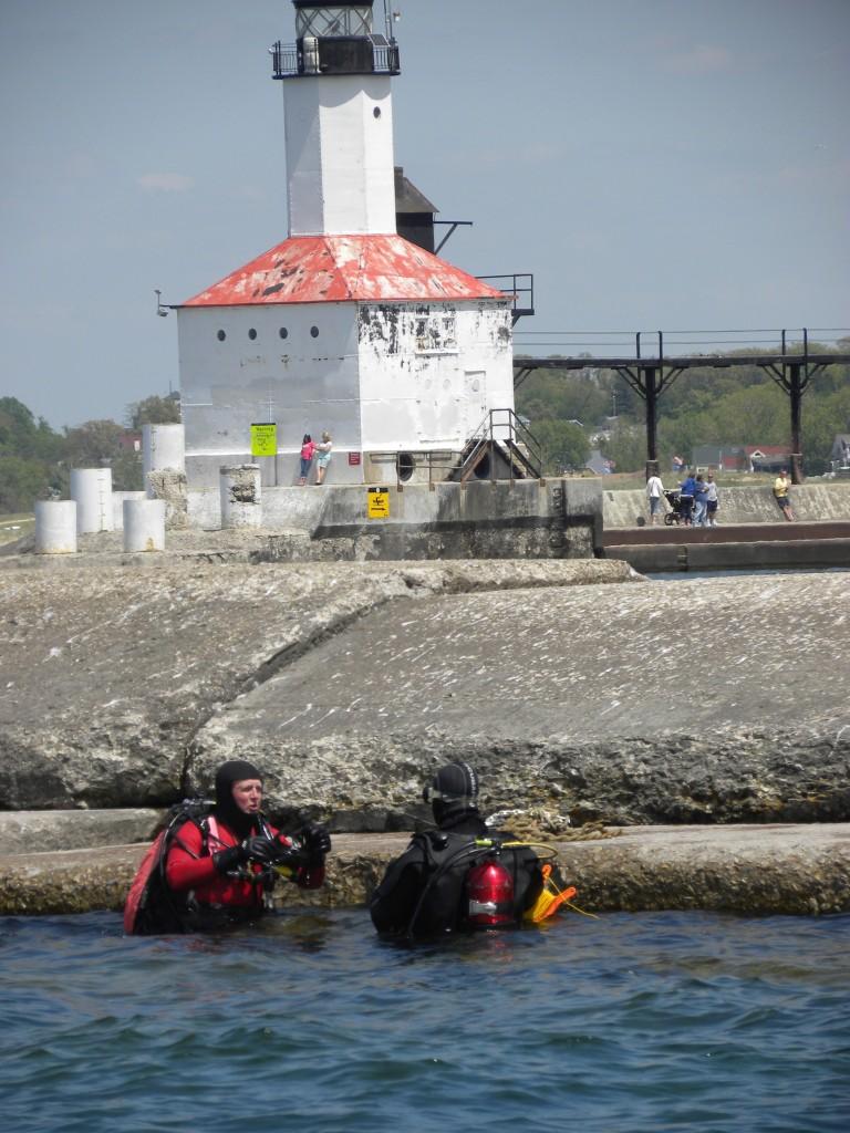 Don-Sir Larry on breakwater  DSCN4168